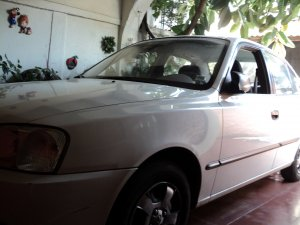 Hyundai Accent 2000, Manual, 9 litres
